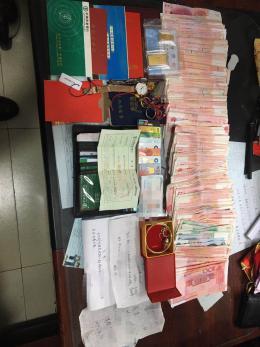 长沙女子担心财物放在家中不安全,提着40多万的财物坐公交不慎遗落,随后…