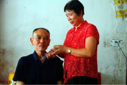 24年照顾癌症丈夫和瘫痪公婆 自己患癌后最担心婆婆和丈夫以后没人照顾