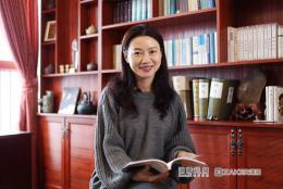 大咖领读丨《中国诗词大会》?#38469;?#26472;雨:我和女儿都超爱鲁迅的小说