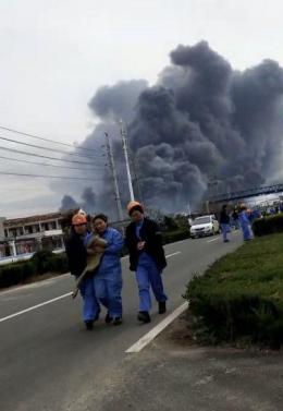 盐城爆炸后续:应急管理部专家组紧?#22791;?#36212;现场,已救出31人