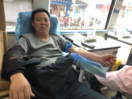 献血车开进嘉禾县,23人献血9200毫升
