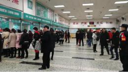 湘雅二医院门诊迎今年首个高峰日,门急诊量超1.8万人次