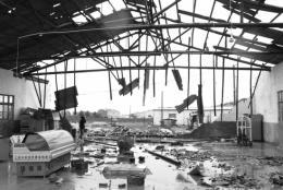 人在睡梦中,屋顶被掀翻  凌晨强风导致长沙县黄兴新村部分仓库、民房受损