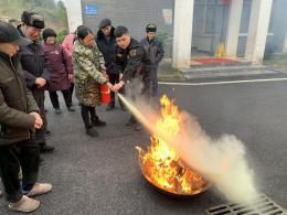 """宁乡31家养老机构的老人学习消防""""防身术"""""""