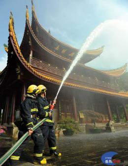 比巴黎圣母院更沧桑,几经火劫的岳阳楼怎样防火?