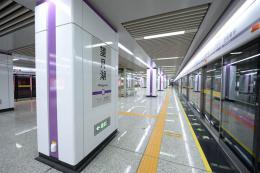 地铁4号线人气站点提前探秘!望月湖站:全线最小车站