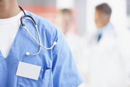 """医生为重症胰腺炎患者留置鼻空肠管给肠内""""进食""""营养"""