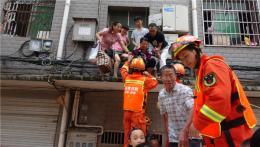邵阳新邵消防已至少转移700人,每次都要拆防盗窗!