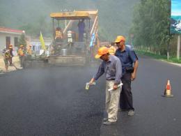 好精彩! 補坑槽、挖邊溝、橋梁檢查,高速公路養護能手同臺競技比這些