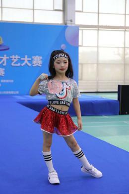 """""""我和我的祖国""""第十届湖南省少儿才艺大赛总决赛举?#26657;?600名少儿比拼才艺"""