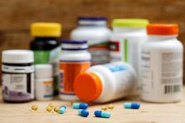 """保健品上印出""""不是藥品"""",能不能喚醒忽悠者的良知?"""