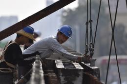新建西路跨线桥9月底建成通车 将极大减轻芙蓉路交通压力