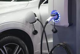 全国充电桩数达108万台,三因素致千赢国际欢迎您!部分电动车未配建充电设施