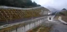 黔张常铁路开启动车组检测 计划年底通车