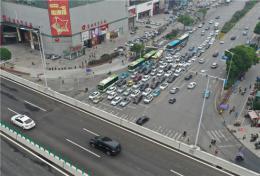 高架快了,地面交通反而慢了?长沙交警:将针对问题进行优化调整