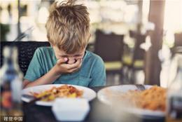 6歲男童反復嘔吐、腹痛,原來是流感病毒在作祟